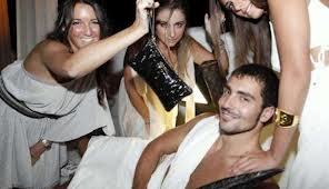 Una immagine del toga party laziale